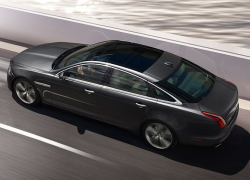Auto Stahl Jaguar XJ Seitenansicht Auto Grau Straße