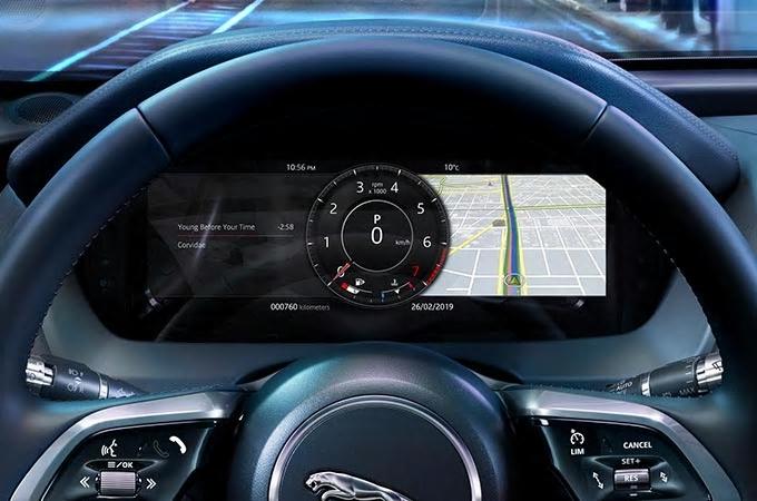 Auto Stahl der neue Jaguar XE 2019 Display Tacho Navigation