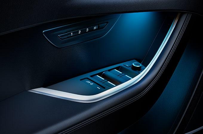 Auto Stahl der neue Jaguar XE 2019 Innenraumbeleuchtung Türe