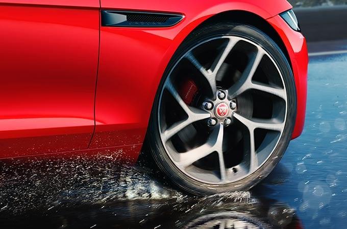 Auto Stahl der neue Jaguar XE 2019 Felgenansicht