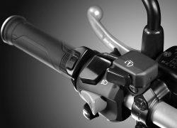 Honda VFR800X Crossrunner bei Auto Stahl Lenker