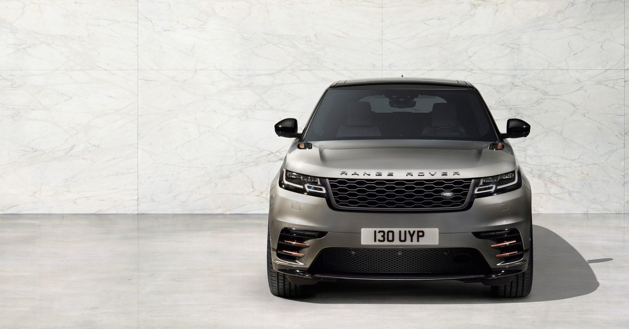 Range Rover Velar bei Auto Stahl Frontansicht