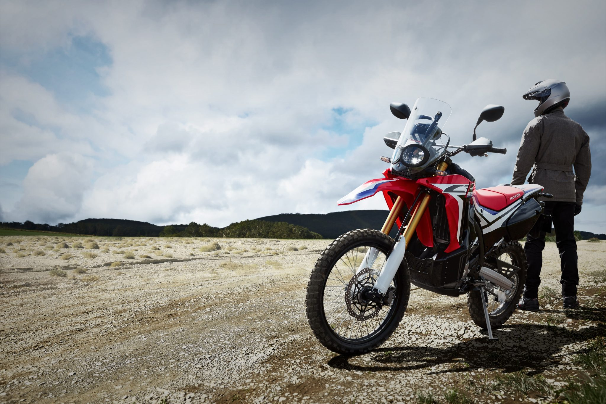 HONDA CRF250 Rally ABS bei Auto Stahl Frontansicht
