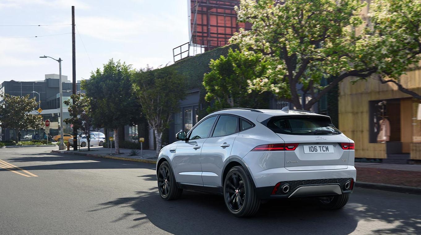 Auto Stahl Jaguar E-Pace Heckansicht