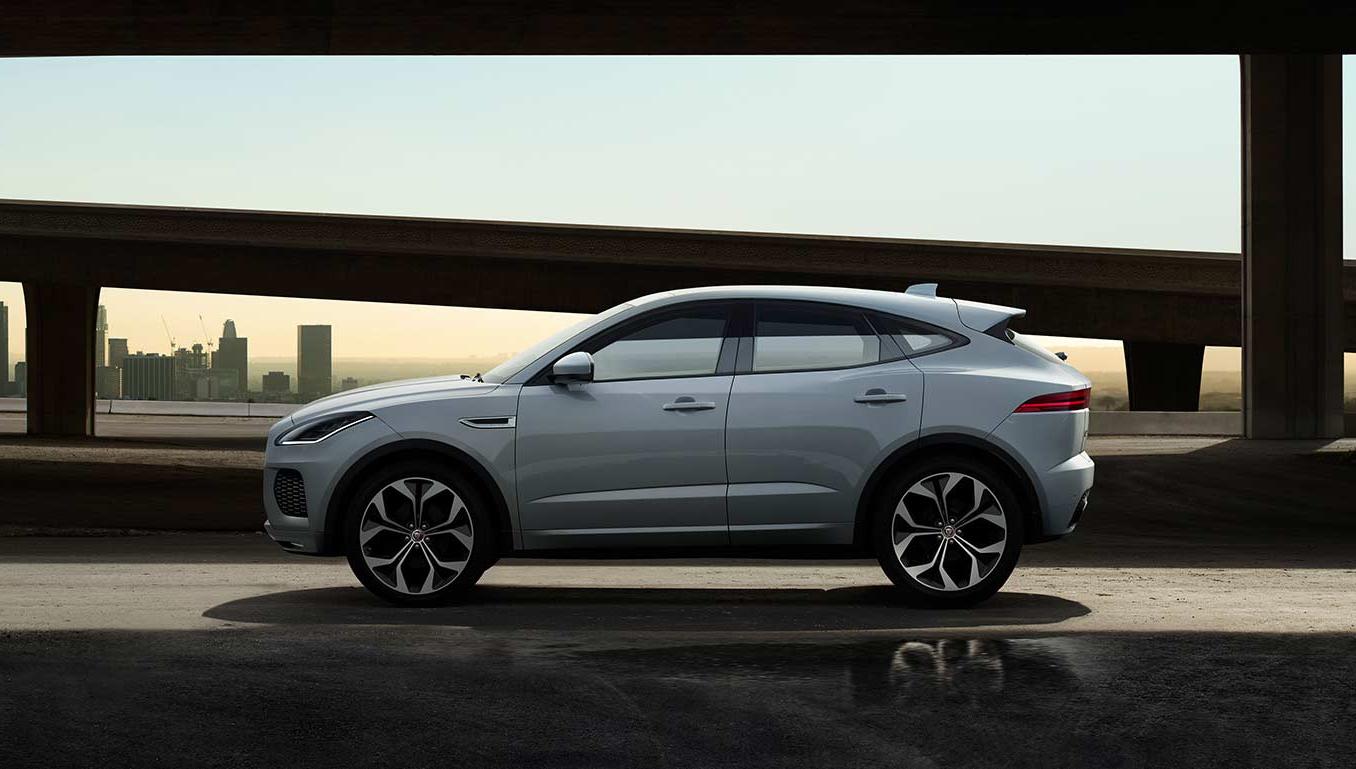 Auto Stahl Jaguar E-Pace Seitenansicht