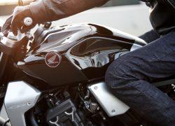 Honda Bike CB1000R 2018 bei Auto Stahl Seitenansicht Tank Schwarz