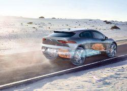 Jaguar I-Pace bei Auto Stahl Seitenansicht Grau Wüste Straße