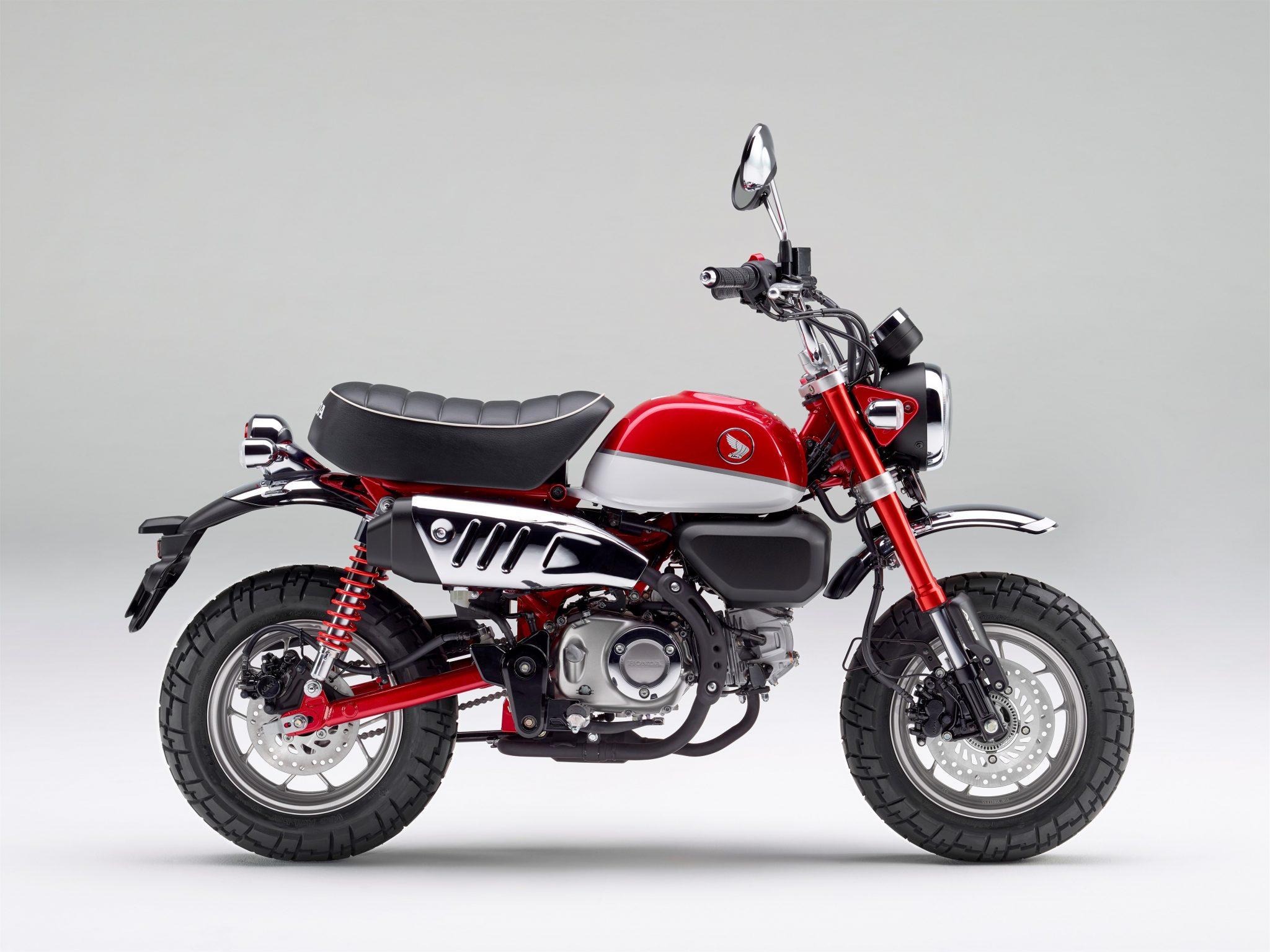 Honda Monkey 2018 bei Auto Stahl Seitenansicht Rot Schwarz
