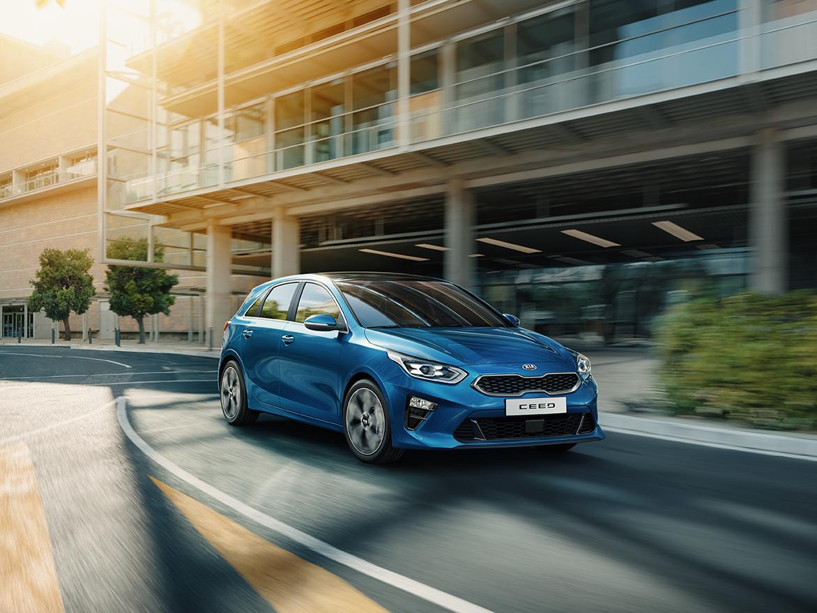 Kia Cee´d 2018 bei Auto Stahl Detail Outdoor Seitenansicht Frontansicht Blau