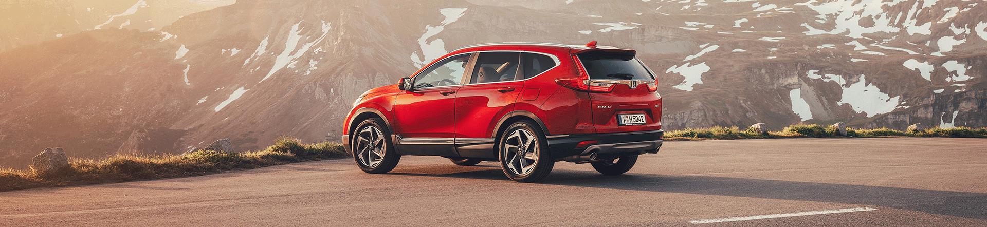 Honda CR-V 2018 Header Seitenansicht Berge Outdoor Rot SUV