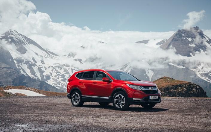 Honda CR-V 2018 Benziner Seitenansicht Rot Outdoor Auto Berge