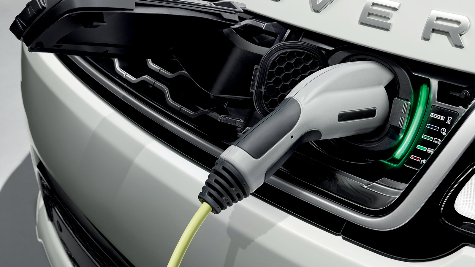 Range Rover PHEV bei Auto Stahl