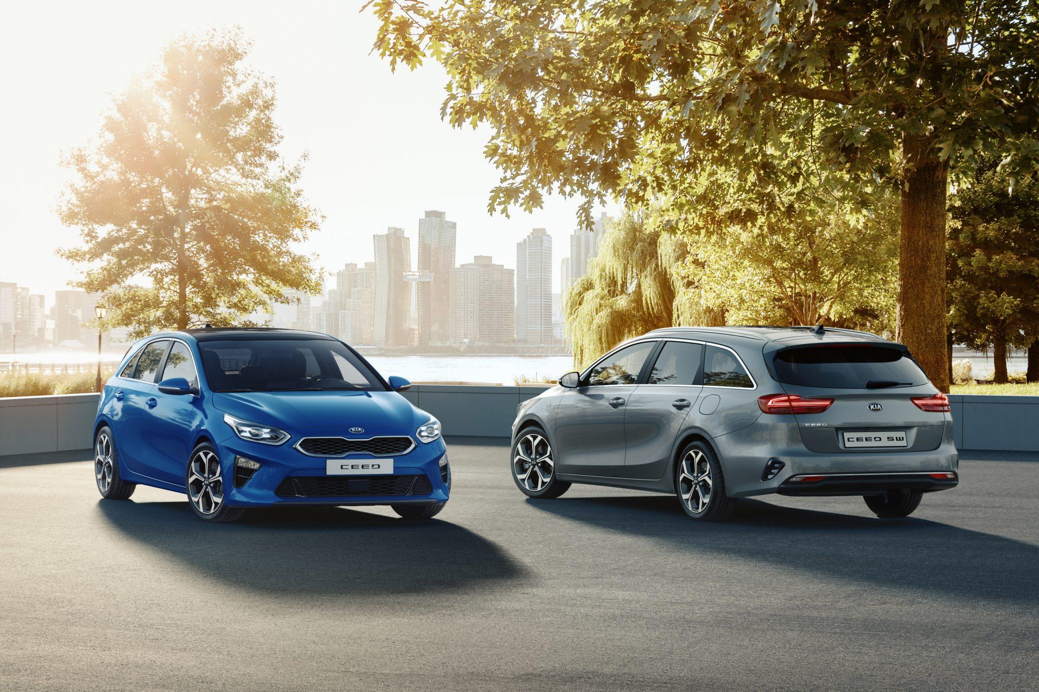 Kia Ceed / Ceed Sportswagon Auto Stahl 2019 Kombi Seitenansicht Heck Front Blau Grau City Outdoor