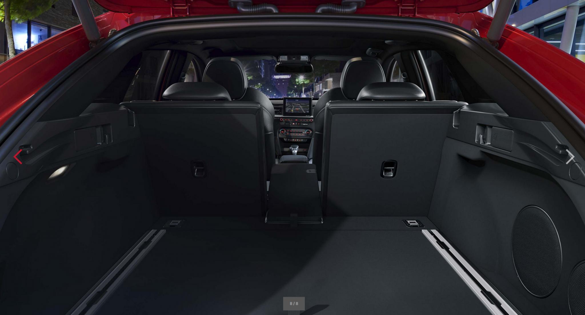 Kia Pro Ceed bei Auto Stahl Kofferraum viel Platz