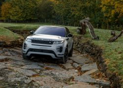 Range Rover Evoque 2019 Frontansicht Outdoor Bergauf