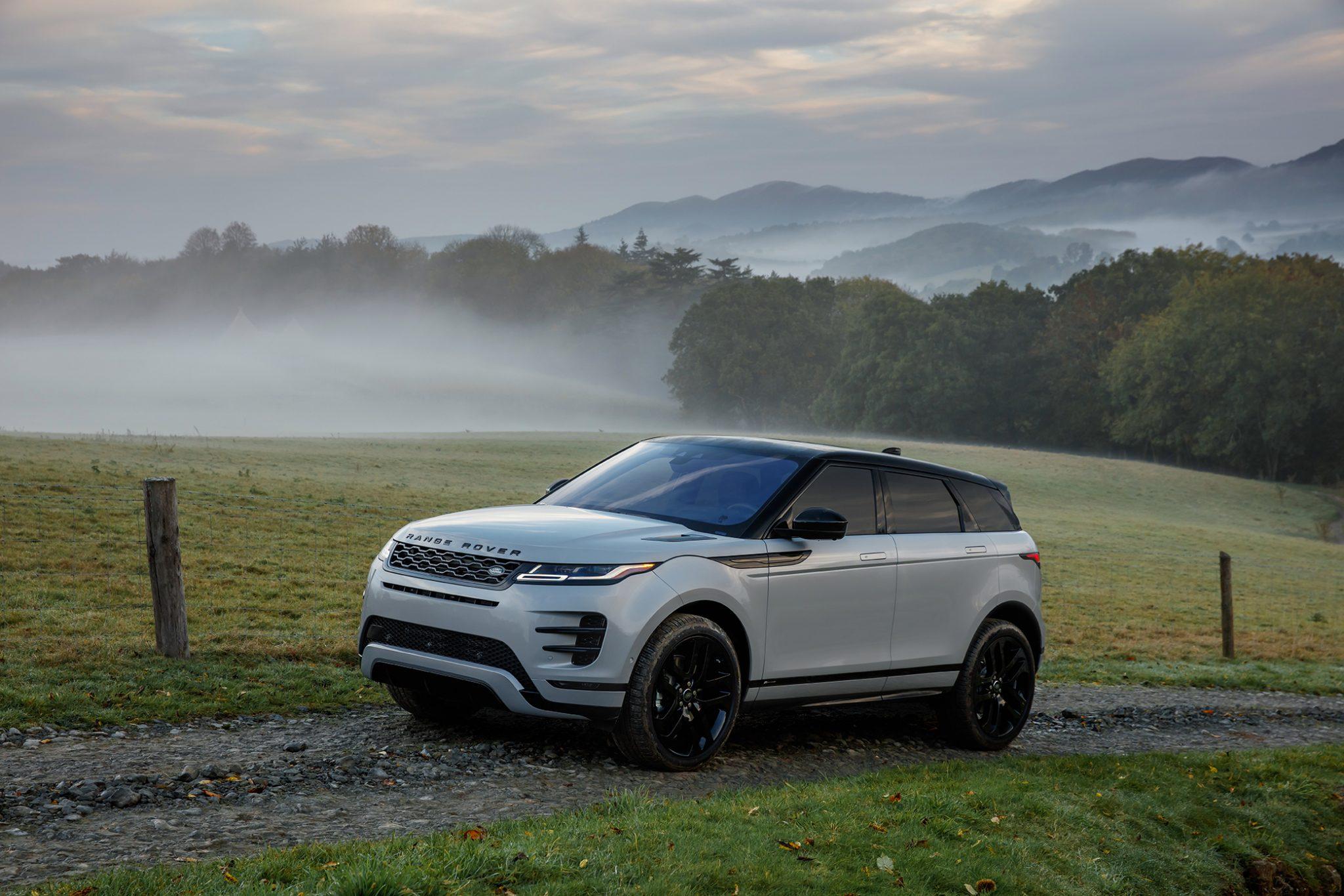 Range Rover Evoque 2019 Seitenansicht Front Silber Bergauf Natur