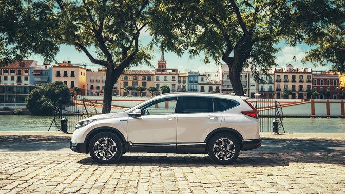 Honda CR-V Hybrid bei Auto Stahl Seitenansicht