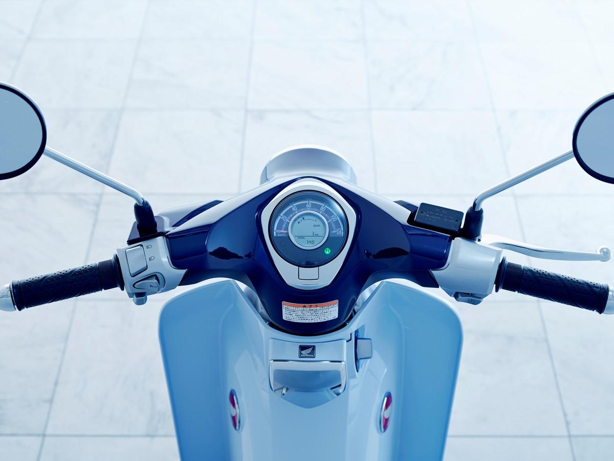 Honda Super Cub 2019 bei Auto Stahl Tacho Blau Roller Lenker Bike Spiegel