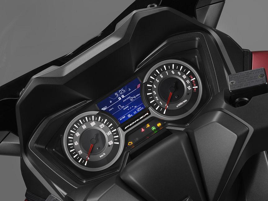 Honda Forza 125 bei Auto Stahl Tacho Schwarz Rot