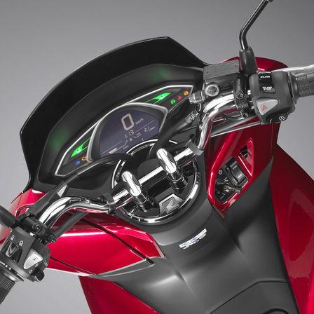 Honda PCX 125 bei Auto Stahl Tacho Rot Schwarz