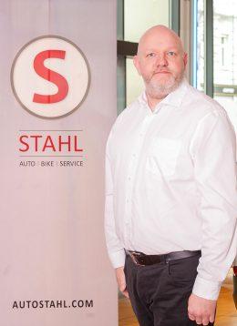 Auto Stahl Verkaufsberater Jürgen Gratzl in Wien 23