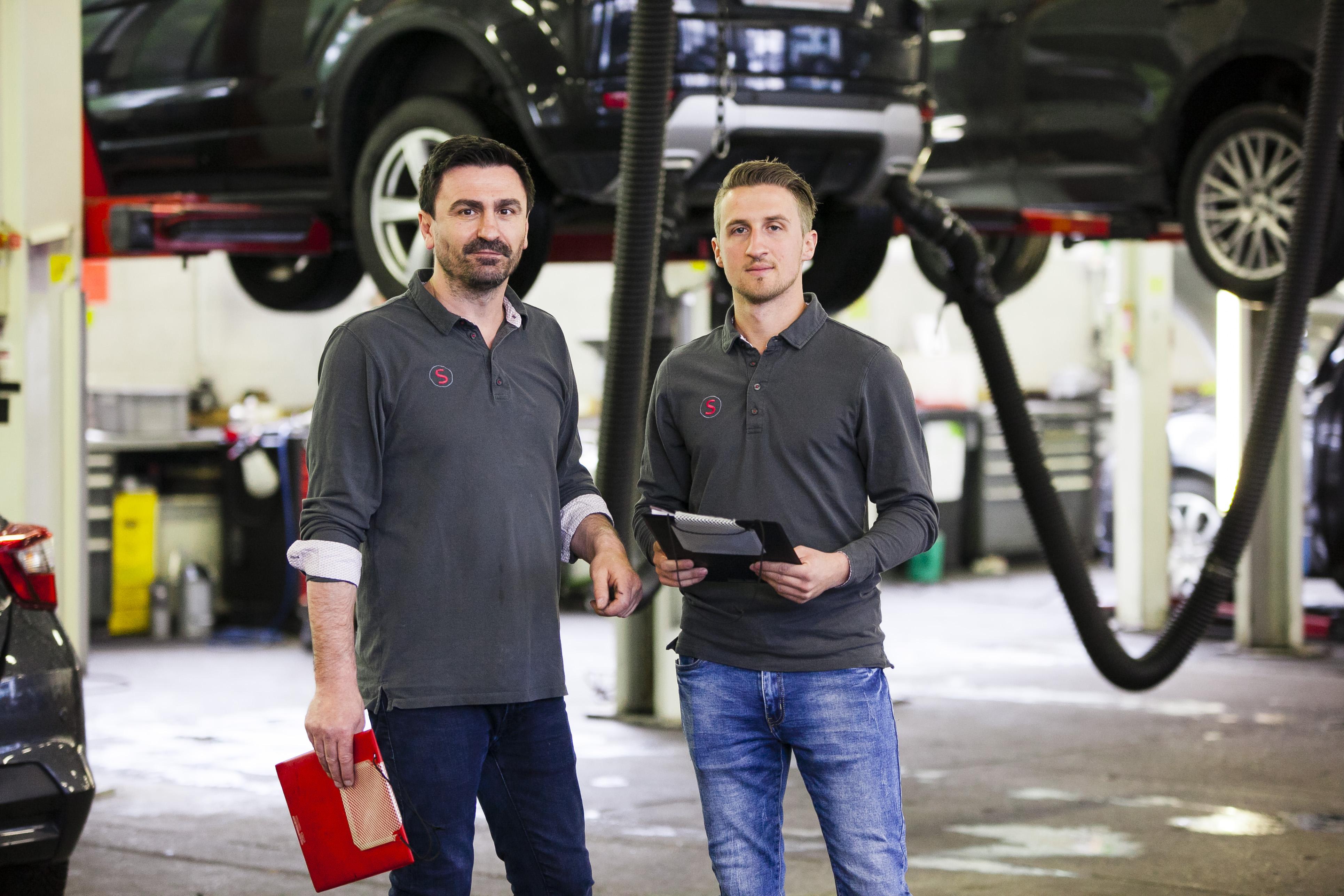 Auto Stahl Wien 20 Werkstätten Leiter Vinca Fatos und Werkstätten Leiter Stellvertretung Patrik Schmidt