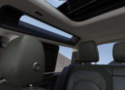 Land Rover Defender bei Auto Stahl Innenansicht