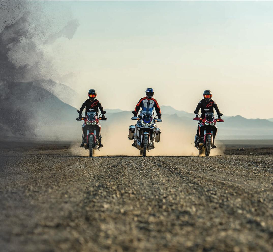 Honda Africa Twin Adventure Sports 2020 bei Auto Stahl Frontansicht Wüste