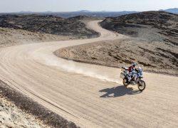 Honda Africa Twin Adventure Sports 2020 bei Auto Stahl Vogelperspektive Wüste