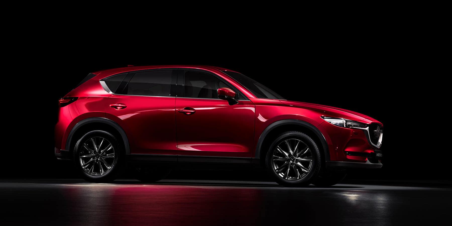 Mazda MX-5 Modellabbildung Seitenansicht, Modellfarbe rot