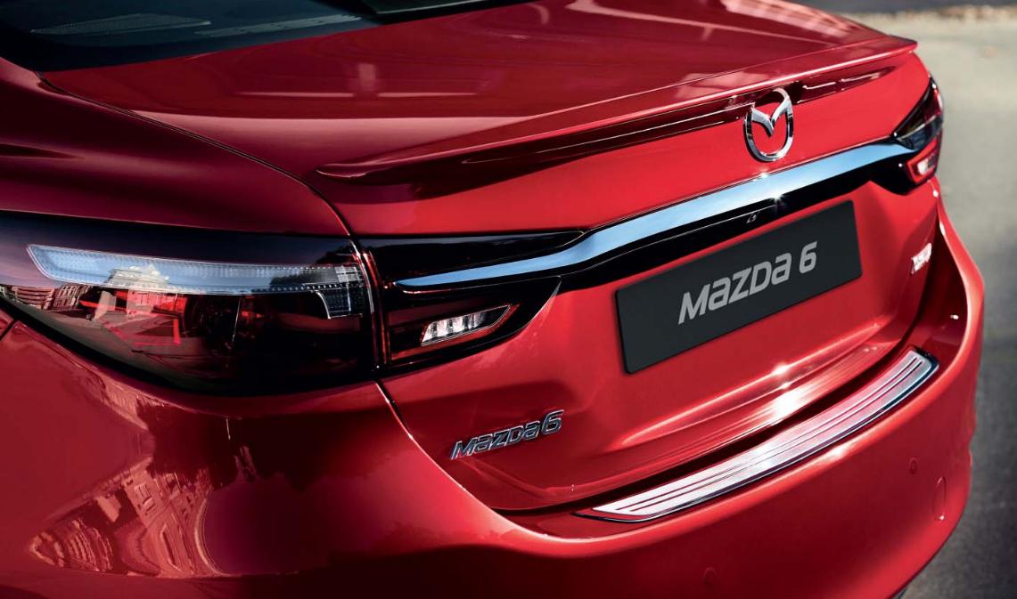 Mazda6 Auto Stahl Modellabbildung in Heckansicht, Kofferraum, Modellfarbe rot