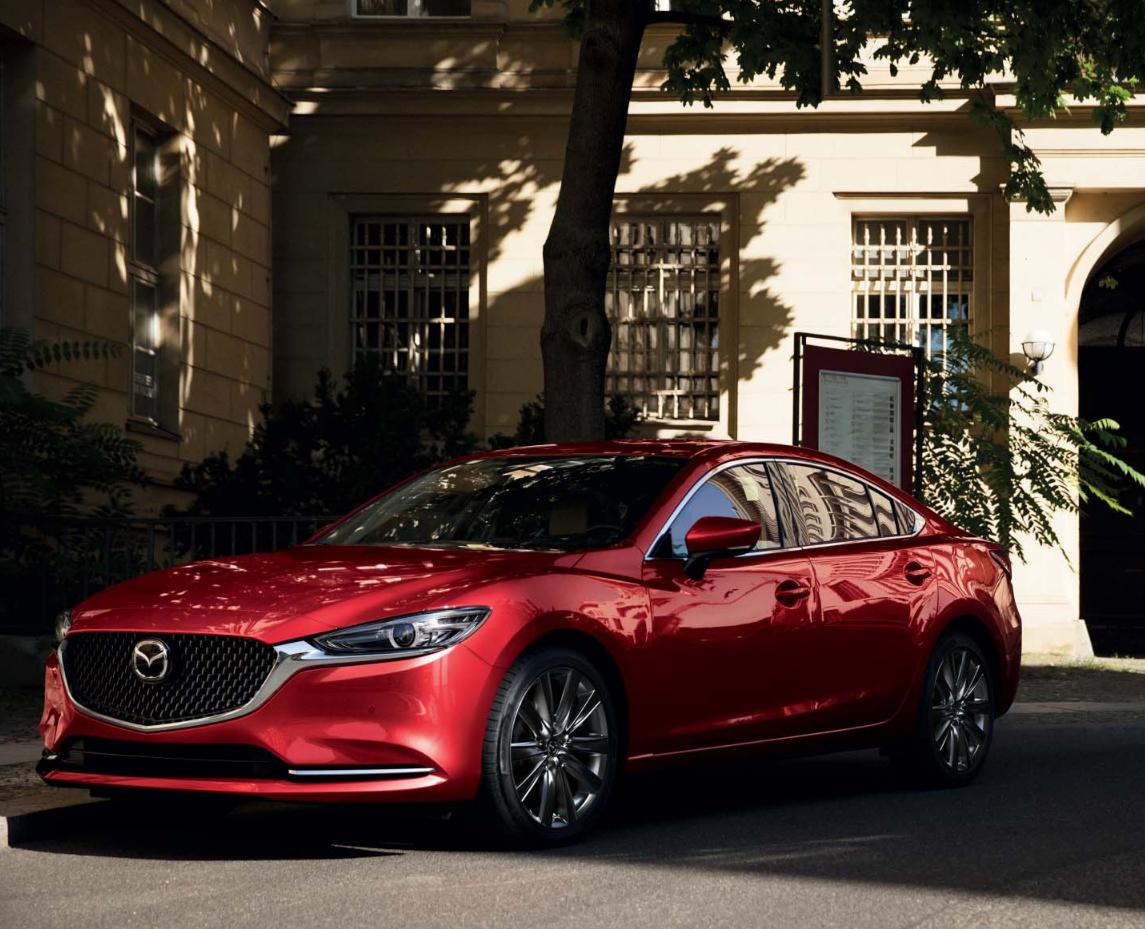 Mazda6 Auto Stahl Modellabbildung in schräger Seitenansicht, Modellfarbe rot