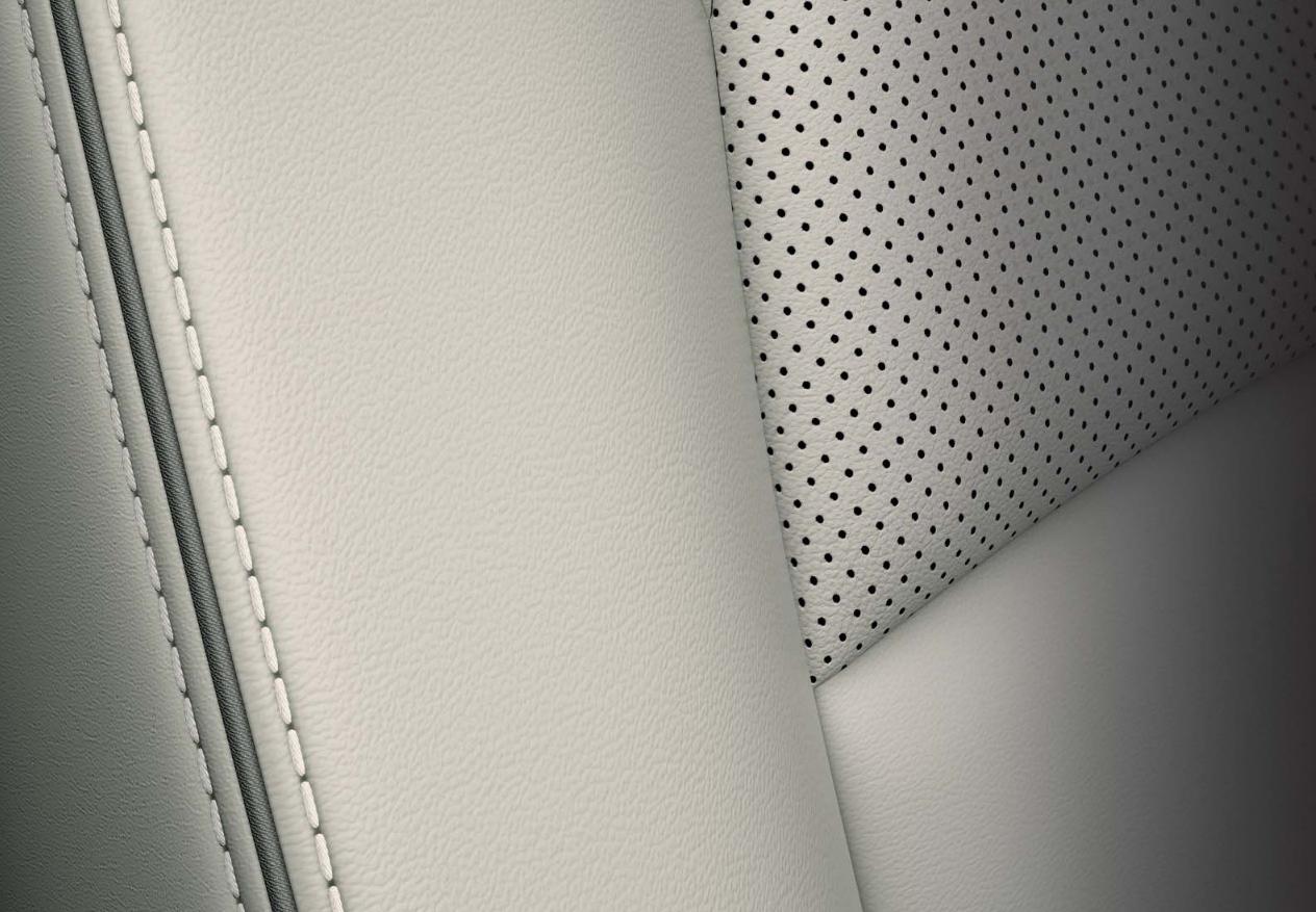 Mazda CX-3 bei Auto Stahl Innenraumansicht Detail des grauen Ledersitzes