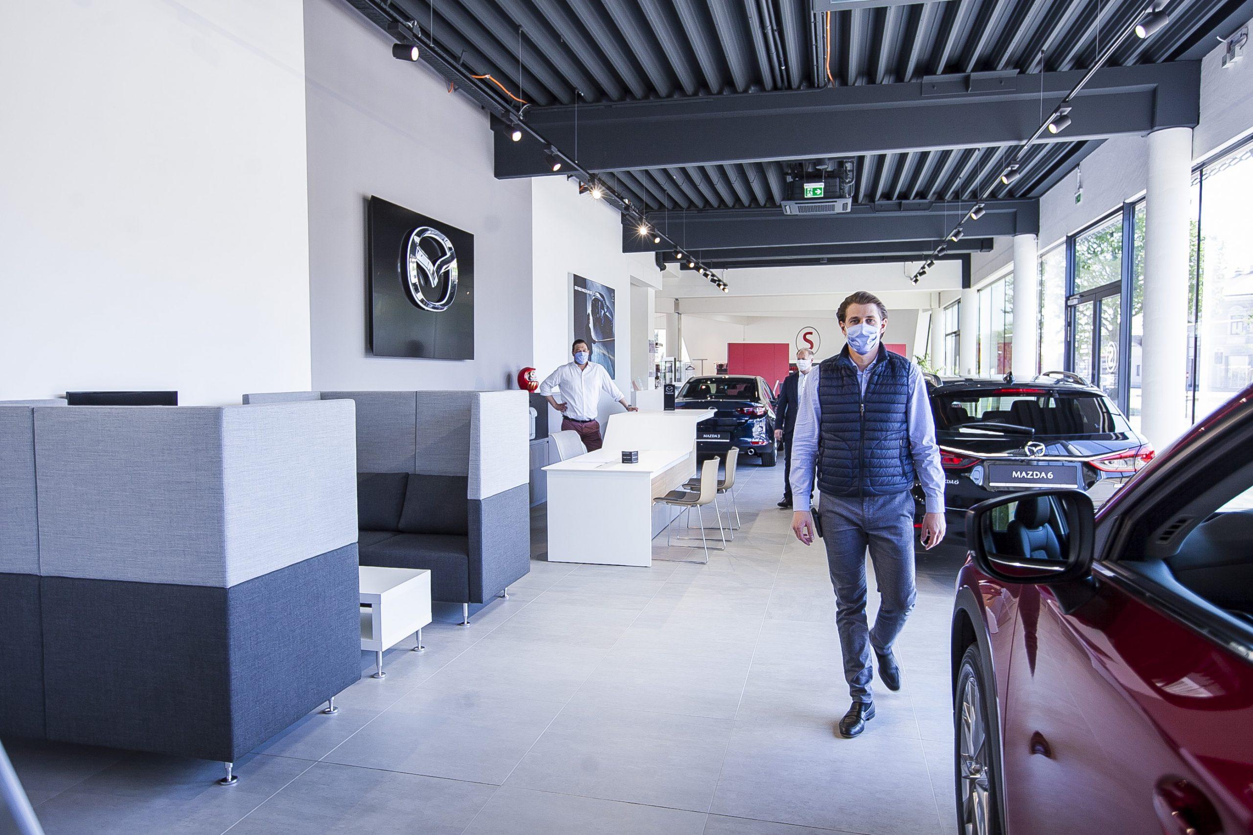 Boris Beuk im neuen Mazda Schauraum bei AUTO STAHL