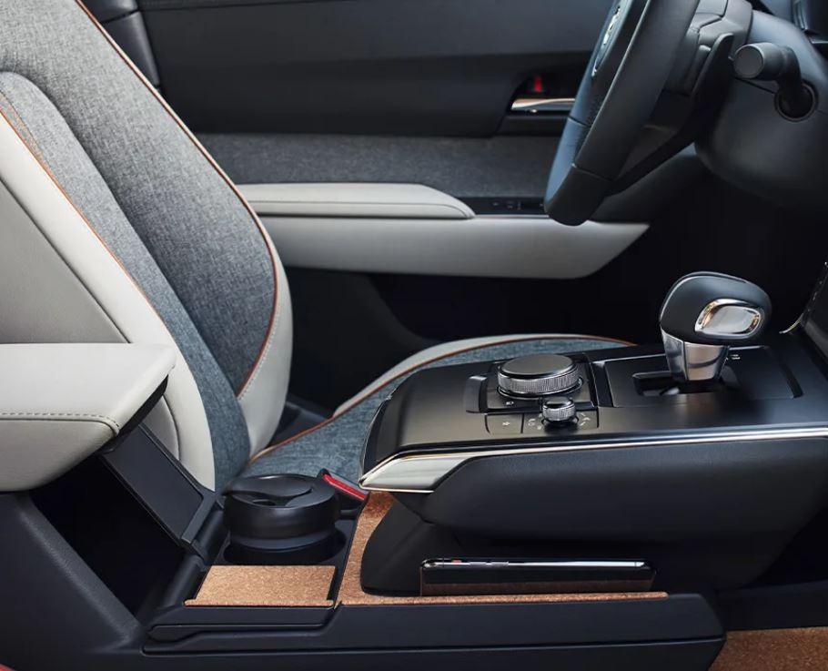 Mazda MX-30 bei Auto Stahl Innenansicht