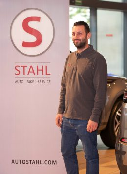Auto Stahl Team Wien 20 Flakron Tahiraj Kundendienst Berater