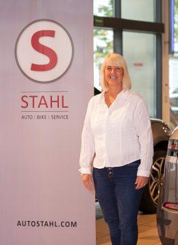 Auto Stahl Team Wien 20 Karin Sonnleitner Assistentin Kundendienst