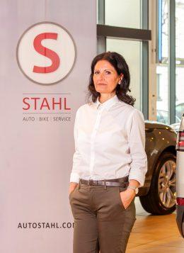 Auto Stahl Team Wien 20 Elisabeth Schneider Assistentin Kundendienst