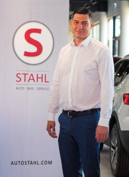Auto Stahl Team Wien 21 Oliver Tatic Verkaufsberater