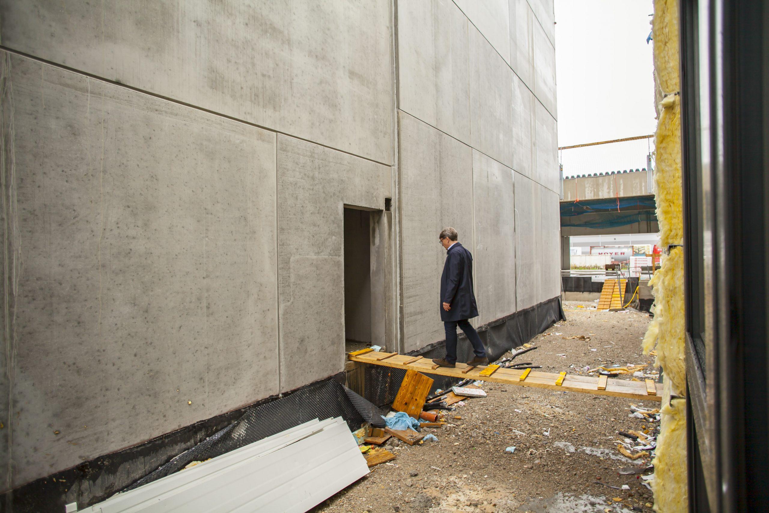 AUTO STAHL Wien 22 | Baustellenbegehung mit Ing. Gernot Keusch in der Schillingstraße 4