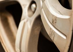 Kleinschadenreparatur plus Gratis Innenreinigung bei AUTO STAHL