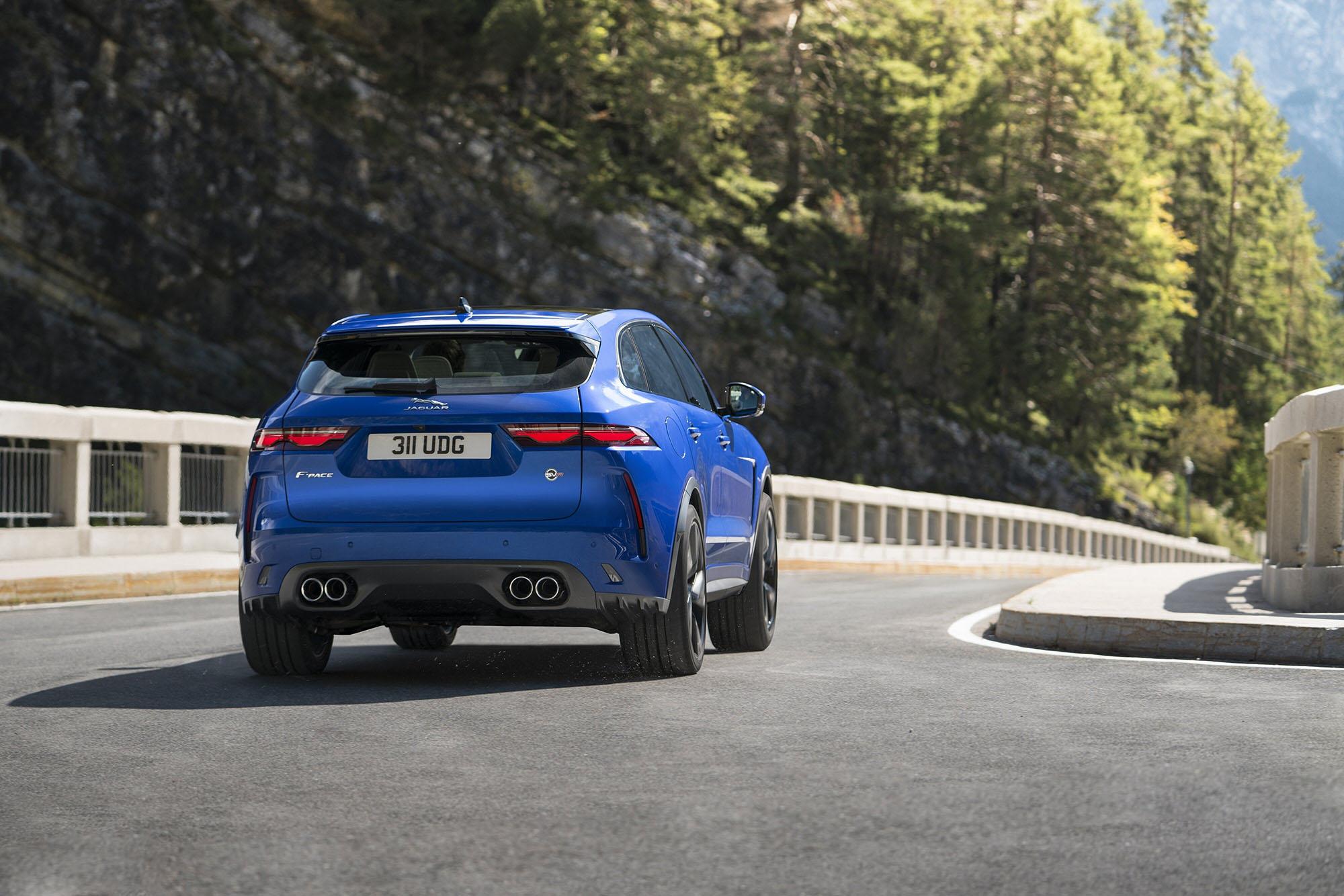 Jaguar F-Pace SVR Dynamic – Bei der Jaguar Land Rover SVO Tour vom 28.9. bis 9.10.2021 bei Auto Stahl Wien 22 erleben!