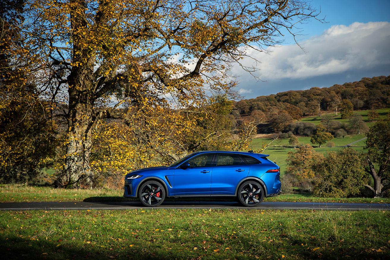 Der Jaguar F-Pace SVR Dynamic – Bei der Jaguar Land Rover SVO Tour vom 28.9. bis 9.10.2021 bei Auto Stahl Wien 22 erleben!