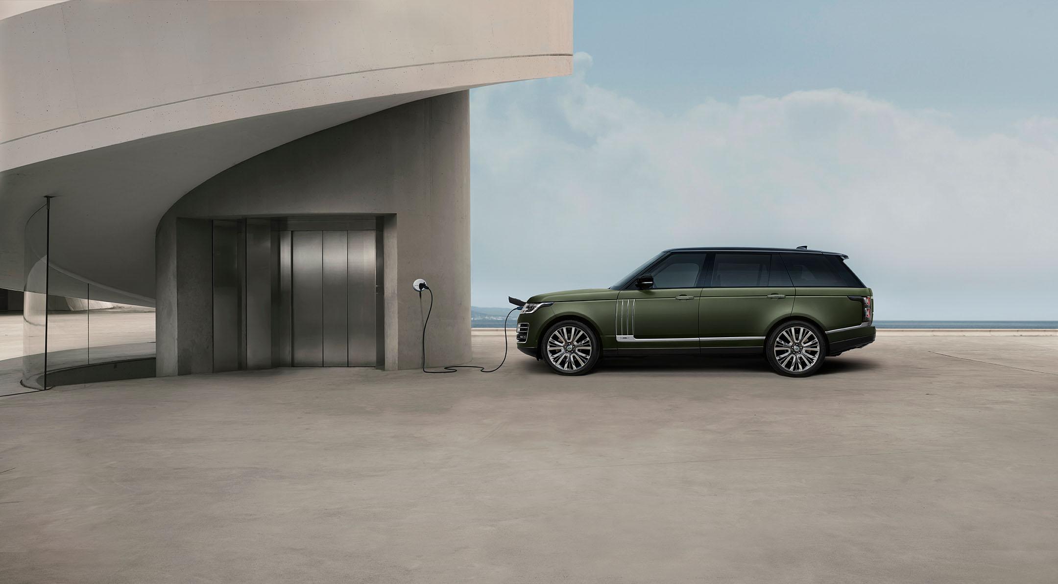 Range Rover SV – Bei der Jaguar Land Rover SVO Tour vom 28.9. bis 9.10.2021 bei Auto Stahl Wien 22 erleben!