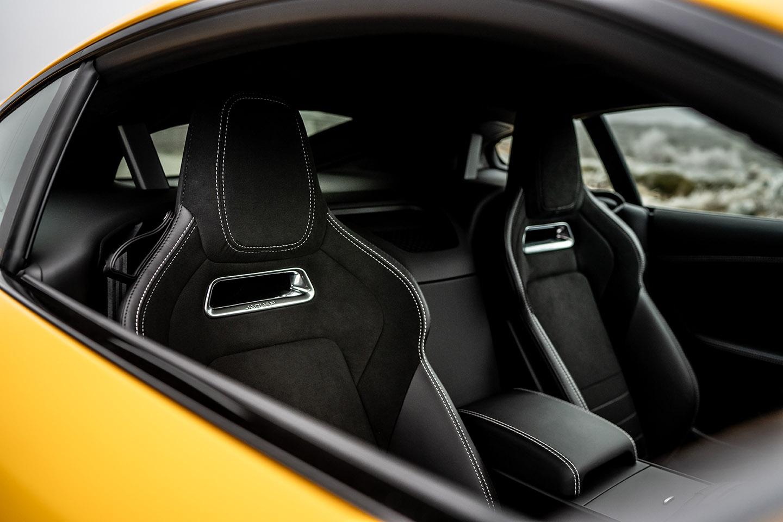 Interieur des Jaguar F-Type R Coupé – Bei der Jaguar Land Rover SVO Tour vom 28.9. bis 9.10.2021 bei Auto Stahl Wien 22 erleben!